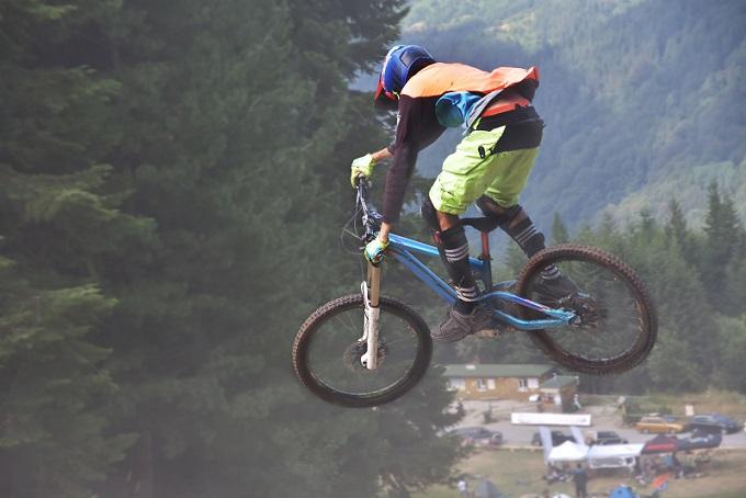 Bei BMX handelt es sich um spezielle Fahrräder, mit denen Sport oft schon als Kunstform durchgeführt wird. Auf dem Rad möchte man sich wohlfühlen. (#01)