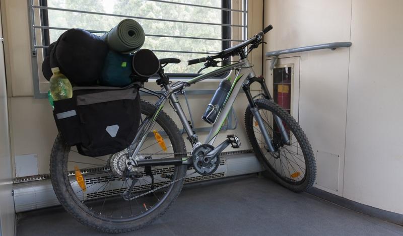 Fahrradtransport Bahn: Abhängig von der Bahn, die man auswählt, gibt es verschiedene Fahrradabteile. (#02)