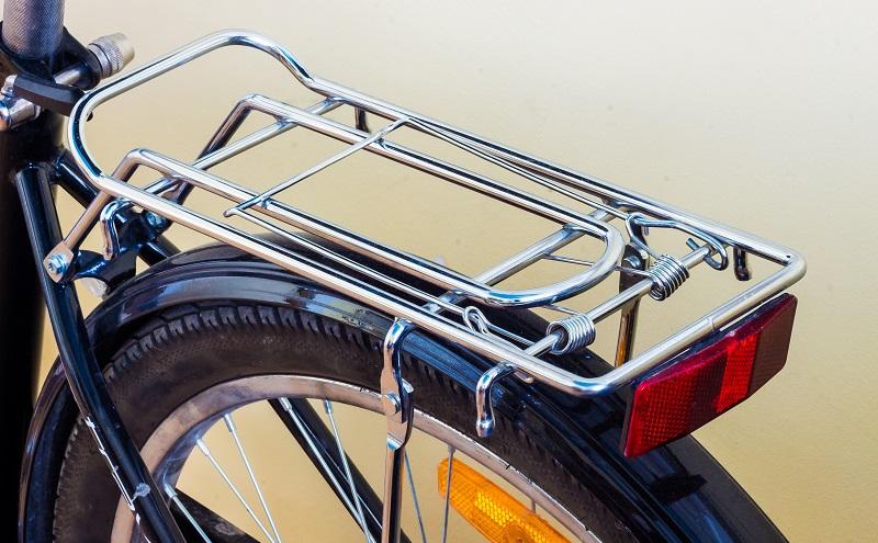 Handelt es sich um einen modularen System-Gepäckträger aus Stahl, so kann dieser oft Lasten von bis zu 40 kg halten. (#04)
