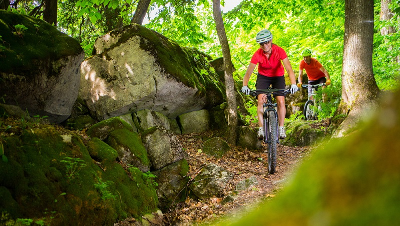 Das ATB – All Terrain Bike – präsentiert sich als eine Mischung aus Mountain- und Trekkingbike.