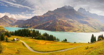 Auvergne Reise: Tradition und Vulkanlandschaften in Frankreich