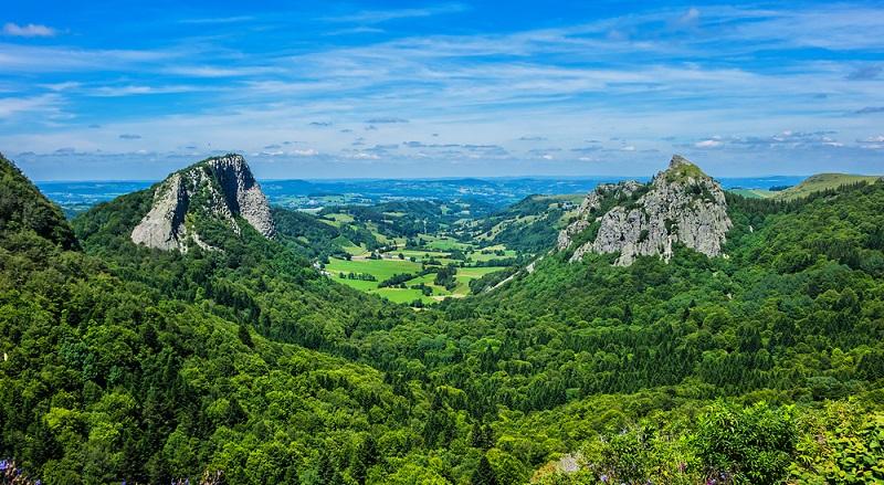 Wer sich zwei bis drei Tage Zeit für diese Rundwanderung nimmt, kann die Faszination der Auvergne hautnah erleben und erhält wundervolle Eindrücke von einer der schönsten Landschaften Europas.